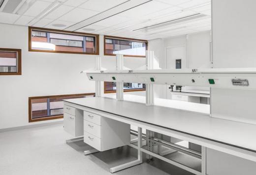 System DELTA 30 Labormöbel
